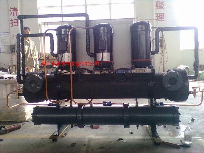 廠家直銷三機頭渦旋式水冷冷水機
